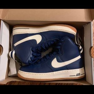 NIKE AIR FORCE 1 HIGH (Navy Blue)
